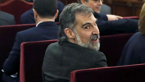 Jordi Cuixart, presidente de Òmnium Cultural, ha sido condenado a 9 años de prisión y 9 años de inhabilitación absoluta por un delito de sedición.