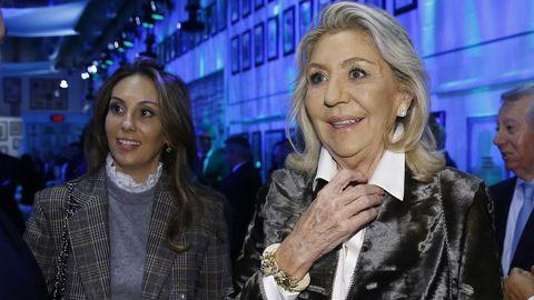 Salomé Fernández-San Julián, vicepresidenta de la Fundación Santiago Rey Fernández-Latorre y su hija Salomé de la Torre