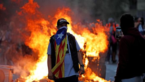 Manifestantes en Via Laietana