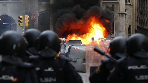 Disturbios en Via Laietana