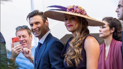 El tenista David Ferrer y Marta Tornel, invitados a la boda de Rafa Nadal y Mery Perelló, salen del hotel donde están alojados en Pollença (Mallorca) para dirigirse a sa Fortalesa, el lugar elegido para el enlace matrimonial.
