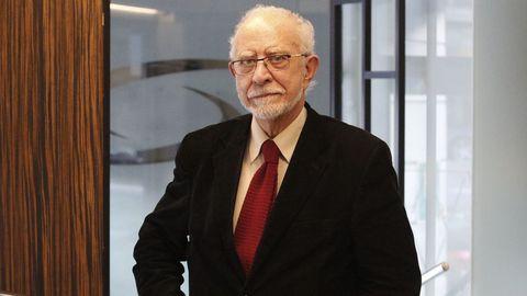 José María Merino presentó en A Coruña, su ciudad natal, el libro «A través del Quijote»