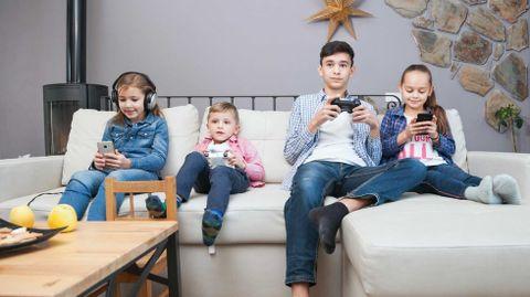 Usar dispositivos electrónicos desde pequeño no es sinónimo de experto digital