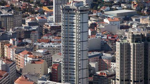 TORRE COSTA RICA O TORRE HERCON (A Coruña) - Es el edificio más alto de Galicia con 116 metros y una treintena de plantas