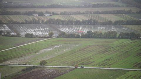 Temporal en Ourense.La lluvia anegó fincas en la comarca de A Limia