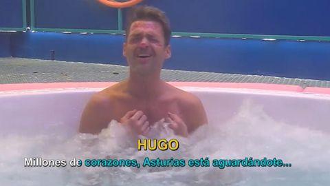 Hugo Castejón canta en el jacuzzi de GH VIP una canción de Victor Manuel