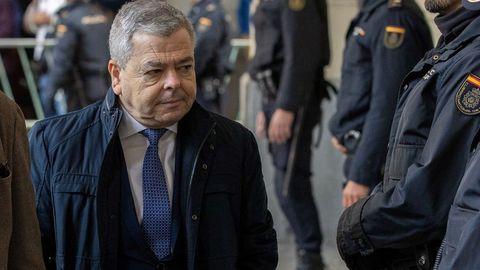 El exviceconsejero de Empleo Agustín Barberá, condenado a 7 años y 1 día de prisión, e inhabilitación absoluta por tiempo de 18 años y un día por delito continuado de malversación
