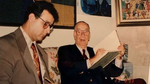 Evaristo Lemos, a la izquierda, junto al escritor Camilo José Cela