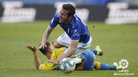 Christian Fernández es derribado por Srnic