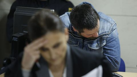 El Chicle, a espaldas de su abogada, en la novena jornada del juicio