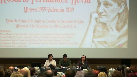 Carmen Fernández Hevia, Sergio Martínez Fernández y Begoña Piñero durante el homenaje a Charo Hevia