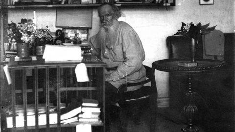 Lev Tosltói, precursor del naturismo, abandonó la ficción y dedicó los últimos años de su vida a esta obra, inédita hasta ahora en castellano