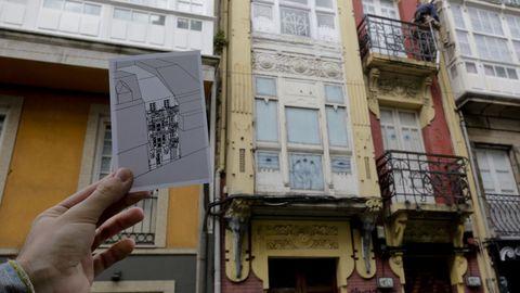 Alberto Fuentes-Valcárcel también realiza láminas de los edificios que va recopilando en Modernismo Coruña. En la imagen vemos la Casa de Emilia Pita o los Elefantes. En el número 8 de la calle Orzán está esta obra de Julio Galán y González Carvajal, hoy «cubierta de grafitis», lamenta Alberto