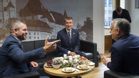 Los primeros ministros de Eslovaquia, Peter Pellegrini; de la República Checa, Andrej Babis, y de Hungría, Viktor Orban, reunidos en Bruselas