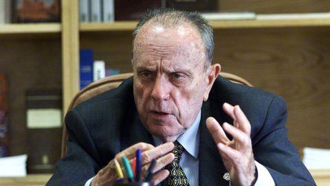 Manuel Fraga cumplía en el 2000 una década como máximo mandatario de la comunidad