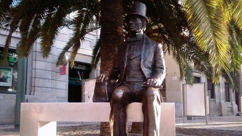 Estatua de Hans Christian Andersen en Málaga