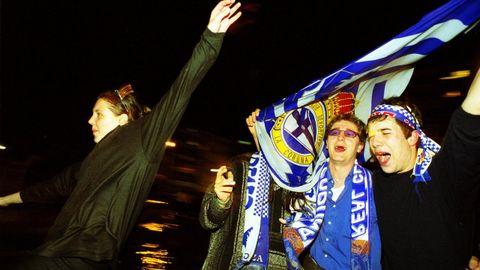 Jóvenes celebrando en Lugo