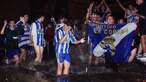 Jóvenes celebrando en O Barco