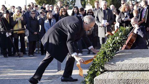 Torra, en la ofrenda floral en la tumba de Francesc Maciá