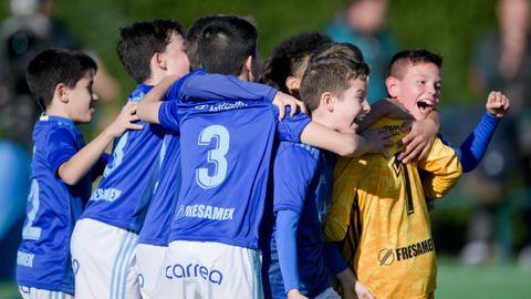El Alevín A del Real Oviedo celebra el pase a la final ante el Sporting en la Copa Integra