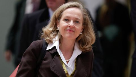 La vicepresidenta económica, la gallega Nadia Calviño tendrá un papel protagonista en la negociación de los ajustes con Bruselas