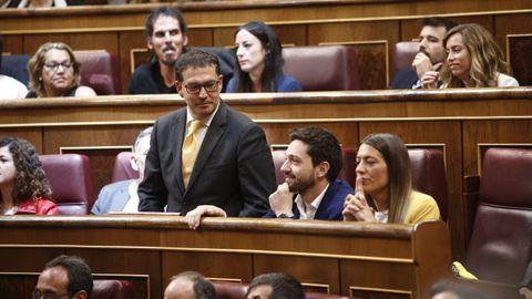 Toma de posesión como diputado de Jaume Alonso-Cuevillas, abogado del expresidente catalán Carles Puigdemont, que ha prometido su cargo en catalán y con menciones a la autodeterminación, la Junta Electoral Central (JEC) y la conciliación familiar.