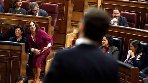 Montero reprendiendo a Abascal