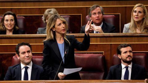 La portavoz del PP en el Congreso pidió que antes de empezar el debate se leyera el acuerdo PSOE-ERC, pero Meritxell Batet respondió que era conocido y que no era el momento.