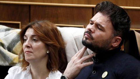 Gabriel Rufián (ERC) escucha las intervenciones