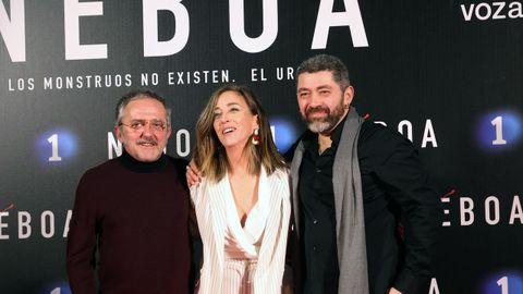 En el centro de la imagen la directora de casting de «Néboa», Conchi Iglesias, flanqueada por Morris y Daniel Currás