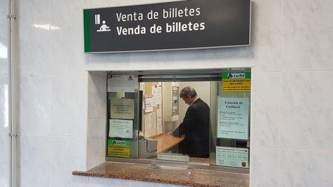 La venta de billetes presencial volvió a estaciones como la de Guillarei, en Tui