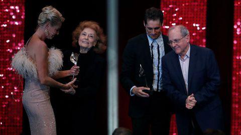Emilio y Julia Gutiérrez Caba recibieron el premio de honor