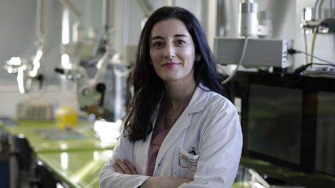 Sara Martínez Breijo es uróloga en el Chuac