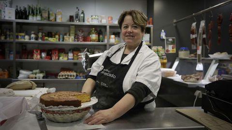 Alicia Fernández Calza tiene una tienda de ultramarinos en el mercado municipal de Ramón Cabanillas