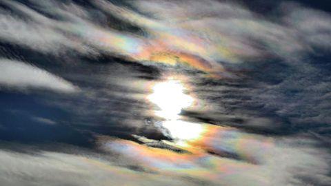 Nubes de colores en el cielo de Oviedo