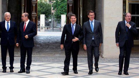 Los socialistas Javier Lambán y Emiliano García-Page, y el popular Alberto Núñez Feijoo son tres de los presidentes autonómicos que reclaman al ministerio las cantidades que adeuda