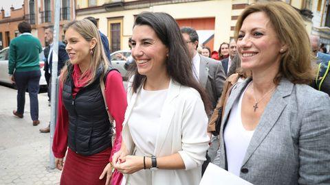 La presidenta de Vox Madrid, Rocío Monasterio, tras atender a los medios a las puertas del Centro Mena en Sevilla el pasado mes de noviembre