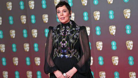 Olivia Colman posa en la alfombra roja de los Bafta
