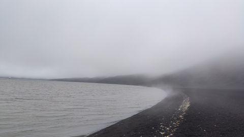 En zonas de la isla el calor llega desde el interior del planeta. La temperatura del agua en esta playa supera los 30 grados