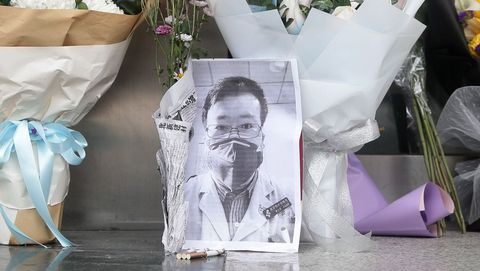 Una foto de Lin Wenliang, el medico chino que fue represaliado por alertar del coronavirus y acabó muriendo por la enfermedad