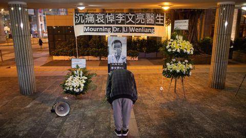 Homenaje al doctor Li Wenliang en Hong Kong