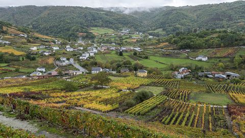 Otra vista de la localidad de Abeleda desde el Camiño da Costiña