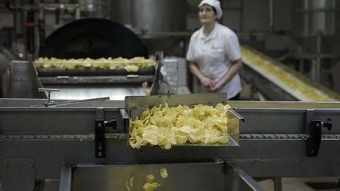 La planta de producción de las patatas fritas Bonilla a la vista, elaboradas con aceite de oliva, está en el polígono de Sabón, en Arteixo