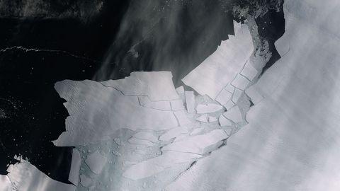 Un gigantesco iceberg a la deriva en el Mar de Weddell