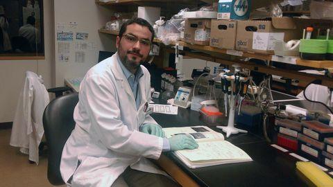 Adrián Mariño, vigués de adopción, estudia alteraciones genéticas en los tumores para proporcionar el mejor tratamiento a sus pacientes del hospital Brigham and Women?s de Boston y da clase en Harvard como profesor asistente