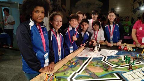 Ocho alumnos de Maristas recibieron un reconocimiento a sus valores en la First Lego League