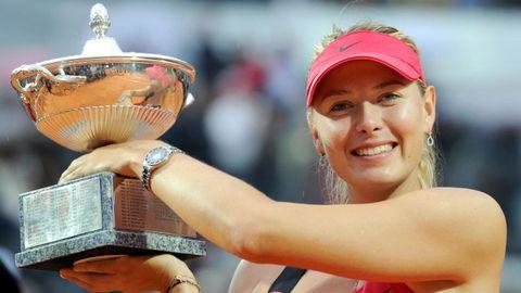 Posando como ganadora del Masters 1000 de Roma.