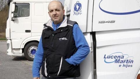 Manuel, camionero granadino, que suele cargar y descargar en Lugo