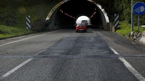 Entrada del túnel de Neira de Rei, en Baralla