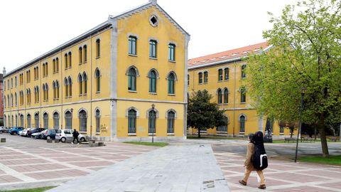 El campus de El Milán, en Oviedo, sin alumnos